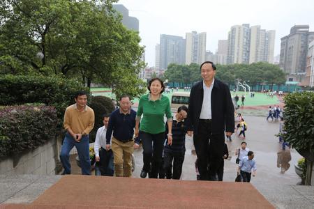 省人大副主任、省总工会主席刘莲玉视察学校